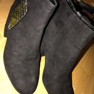 dv Dolce Vita Black Suede like Ankle Boot Size 9